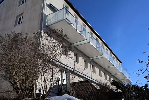 Eikskollen 15, bygging av 6 balkonger og montering av rekkverk