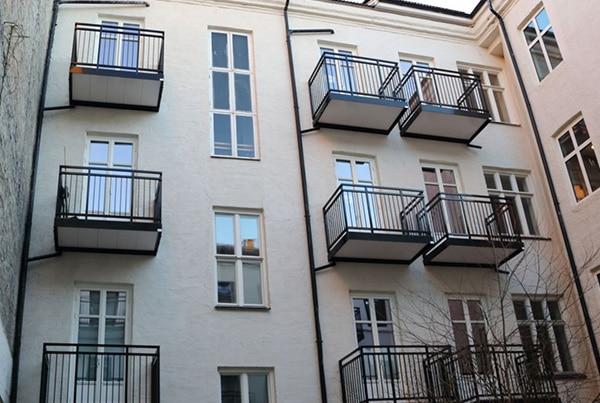 Nordahl Bruns gate 7, montering av 19 balkonger og rekkverk