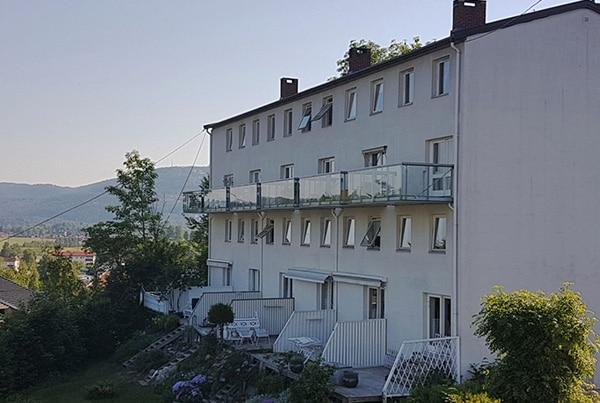 Eikskollen 3, Bygge 6 balkonger og montere rekkverk, Bærum